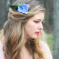 blue hydrangea hair comb, peacock feather flower comb, bridesmaid hair comb